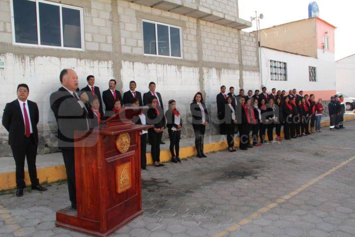Macías González encabezo conmemoración del Día de la Bandera
