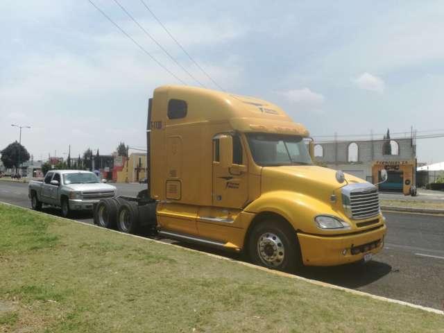 Recuperan en Tlaxcala tracto camión robado en Puebla