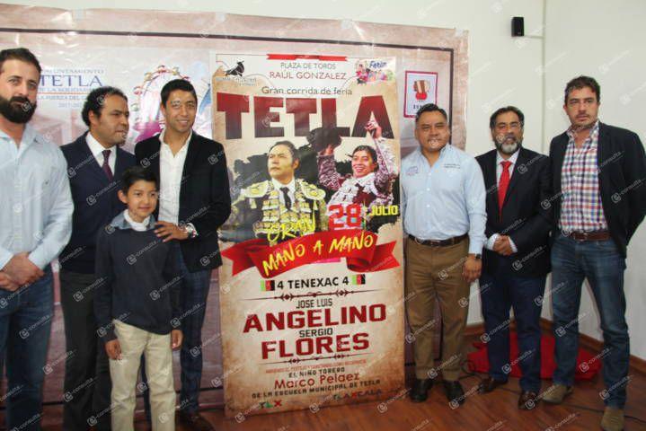 Angelino y Flores mano a mano en la corrida de Feria Tetla 2019