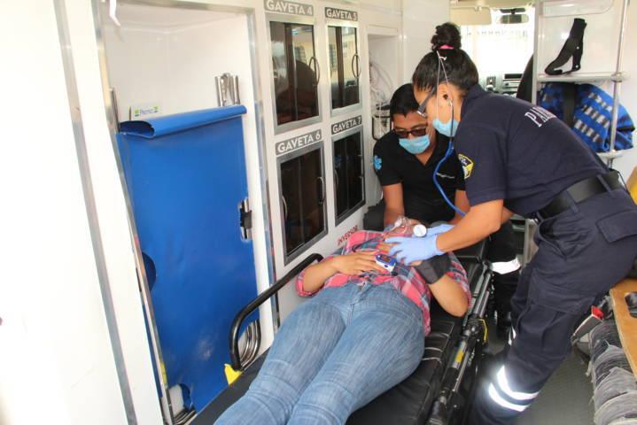 La ambulancia municipal atiende emergencias las 24 horas con 4 paramédicos