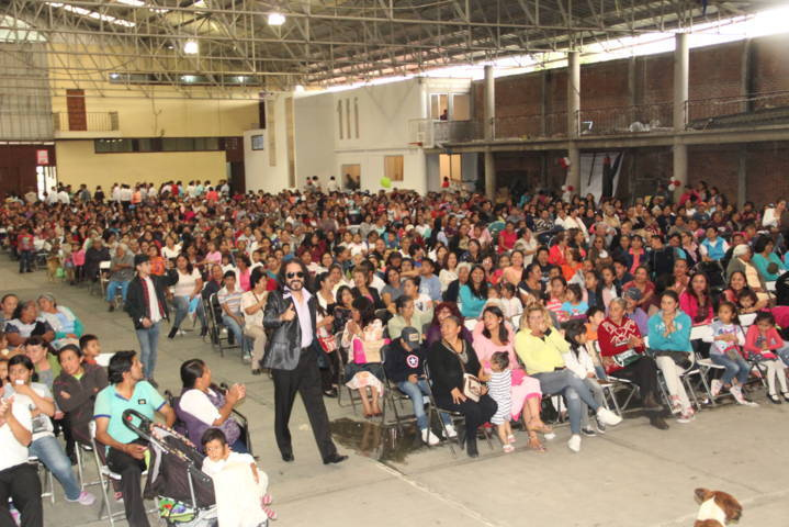 Alcalde ante más de 1,500 mamas dijo que seguirá fortaleciendo este sector