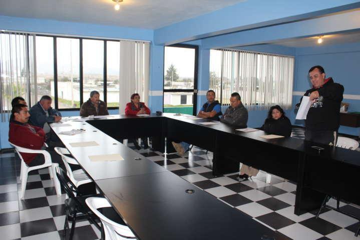 Empresario desmiente ante cabildo factura al municipio de Benito Juárez