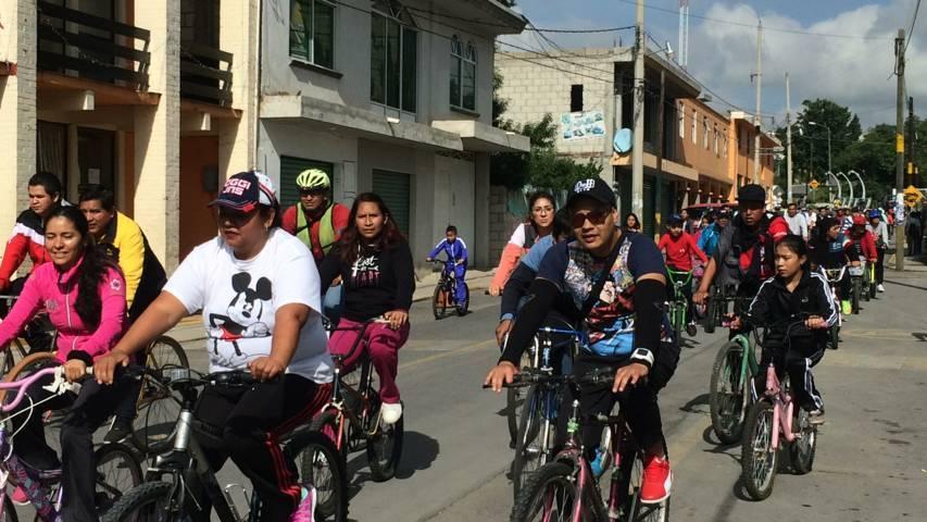 Reúne Tlaxcala sobre ruedas 200 personas en Tepeyanco