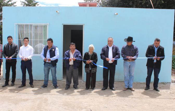 Entrega Alcalde de Huamantla 18 acciones de vivienda