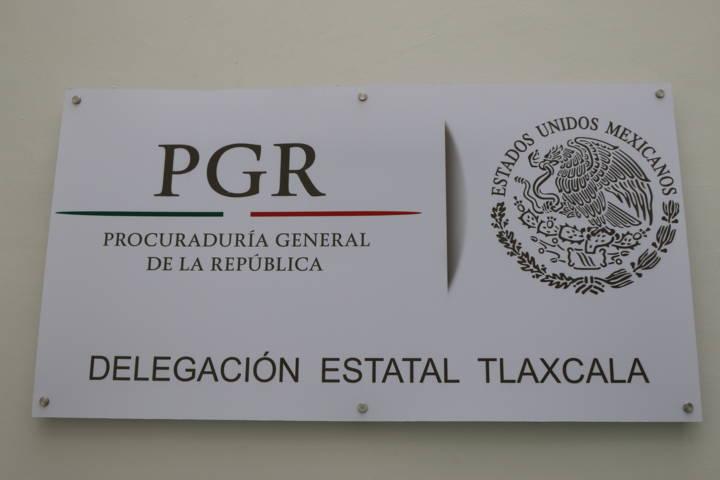 PGR realiza investigación por robo de 174 rollo de polietileno en Carretera Federal