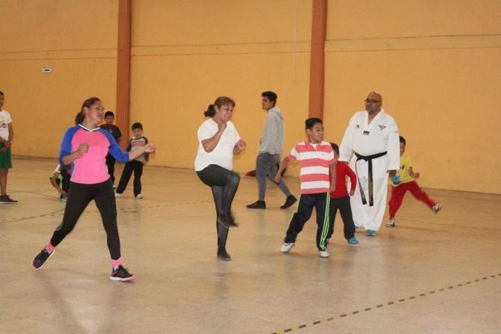 Ayuntamiento y SMDIF impulsan el deporte en niños del municipio