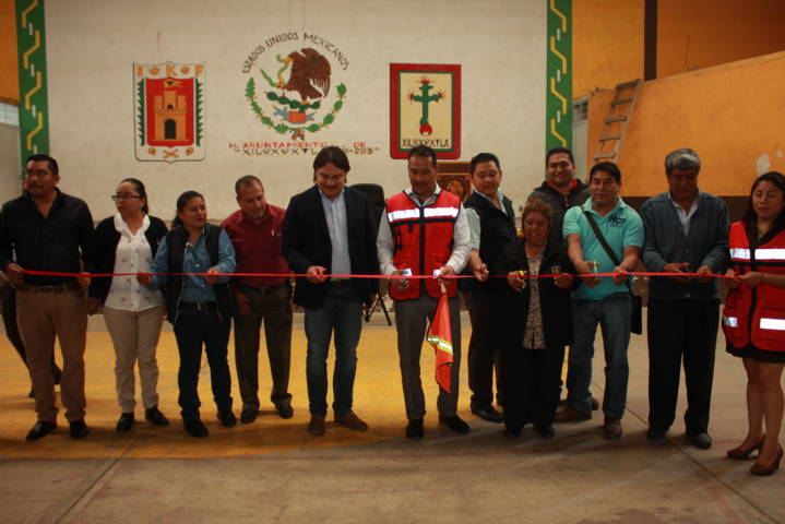 Pérez Juárez mejora la infraestructura del auditorio municipal