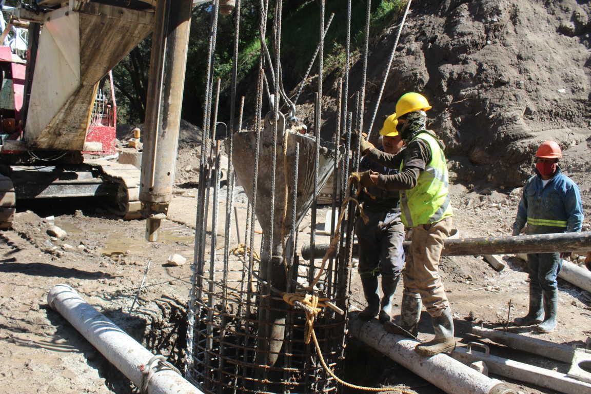 Avance del 30 por ciento en la construcción de puente vehicular