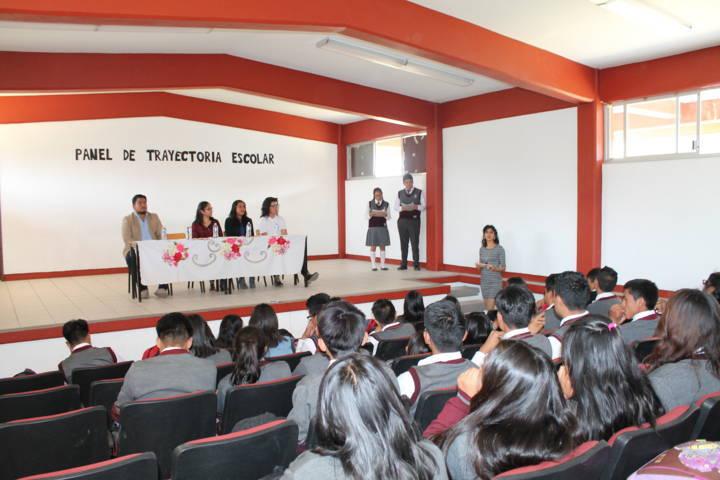 Ex estudiantes de Cobat comparten  experiencias exitosas