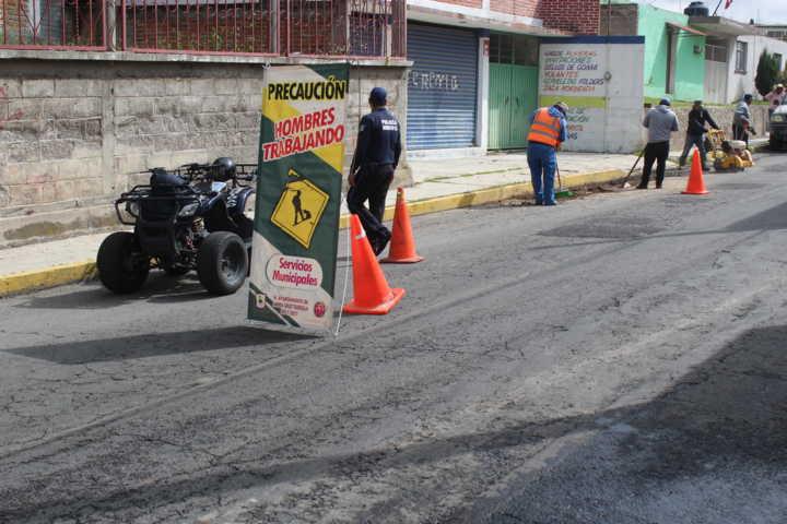 Ayuntamiento De Santa Cruz Tlaxcala Y Secoduvi Realizan Trabajo De Bacheo Asfáltico