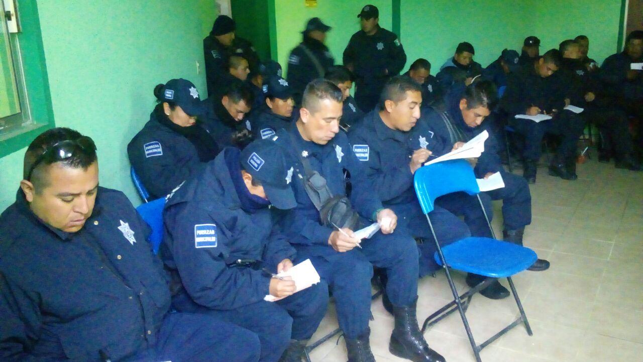 Capacitan a policías de Zacatelco sobre el Informe Policial Homologado