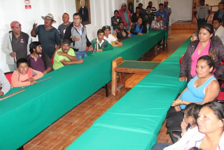 Pobladores de Espíritu Santo se manifiestan en la alcaldía de Ixtacuixtla