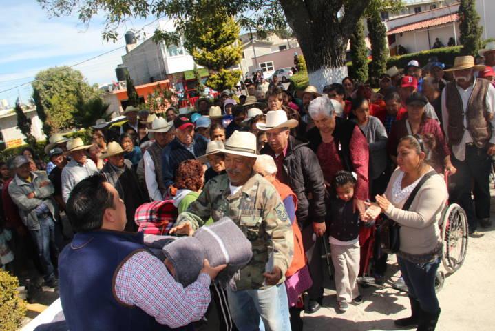 Vázquez Morales cobija a los grupos vulnerables del municipio