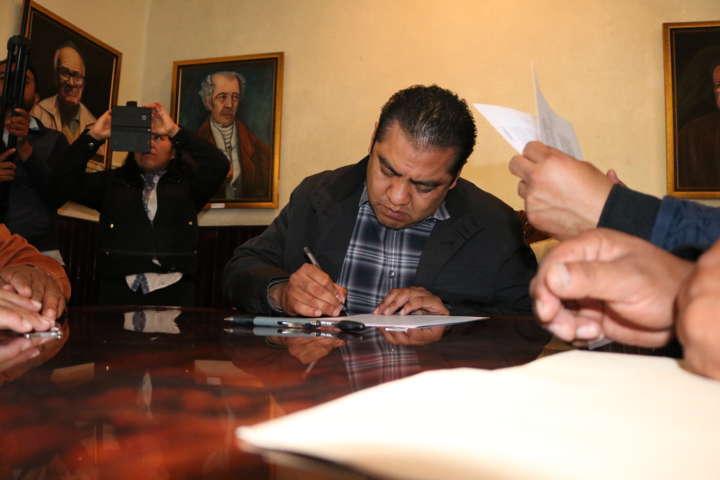 Firma Convenio de Colaboración Ayuntamiento de Chiautempan con Sección 31 del SNTE