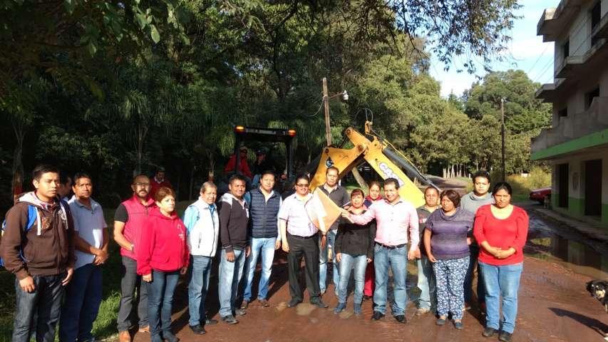 Inicio de obra de pavimentación en Amaxac