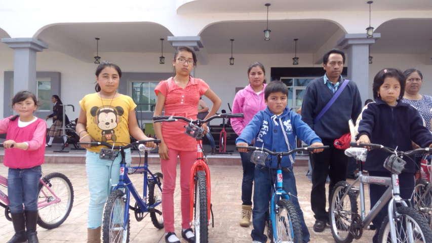 "Extienden a Tzompantepec apoyos del programa ""Ayúdame a Llegar"""