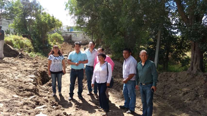 Siguen las obras en Amaxac