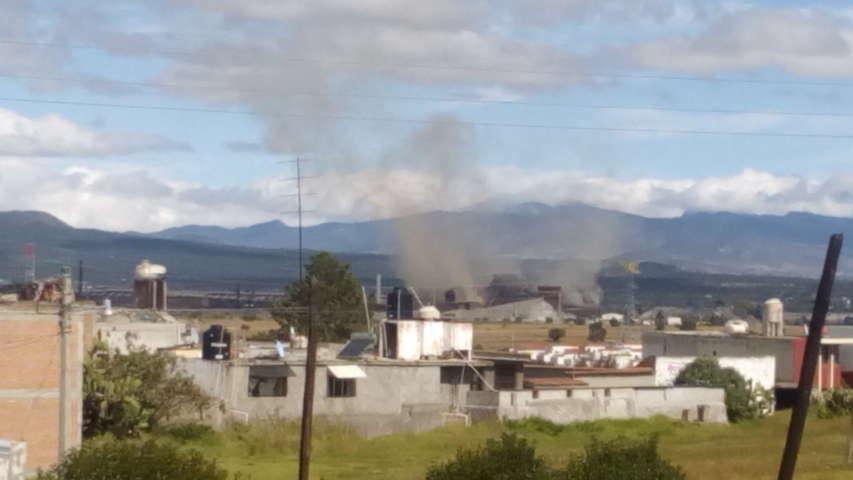 Eyección de humo tóxico amenaza salud de pobladores