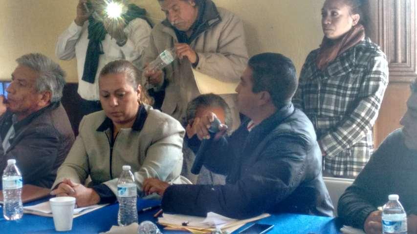 Confrontan Presidentes de Comunidad y Regidores a alcalde de Calpulalpan
