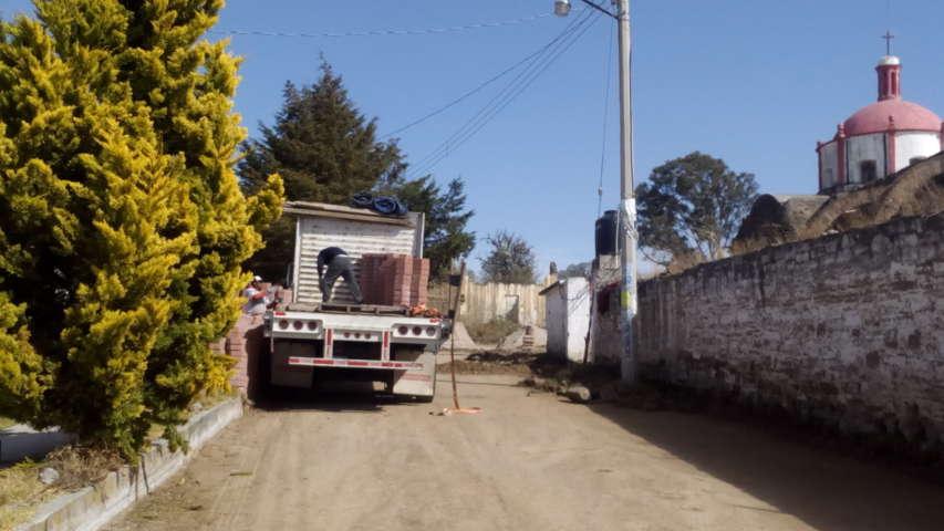 Desaparece empedrado en zona céntrica de Atlangatepec