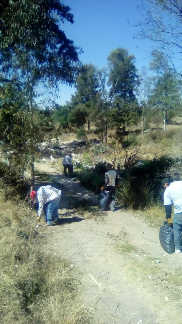 Emprenden acciones de limpieza en San Damián Texóloc