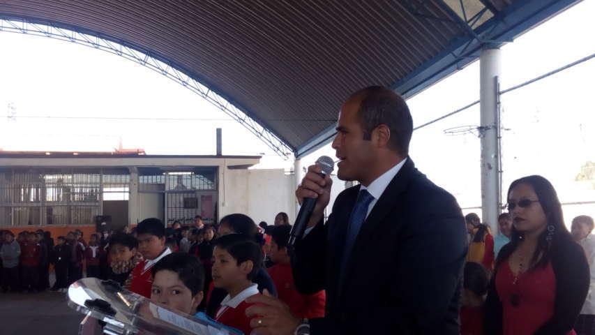 Trabajo incansable por la educación en Santa Cruz Tlaxcala