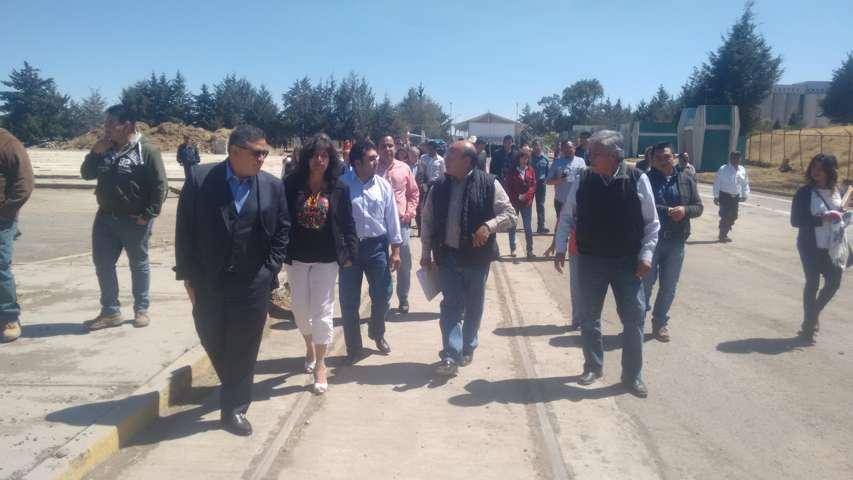 Colocan primera piedra de empresa acerera en Calpulalpan