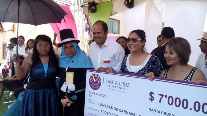 Vistosidad y colorido en el Carnaval de Santa Cruz Tlaxcala 2017
