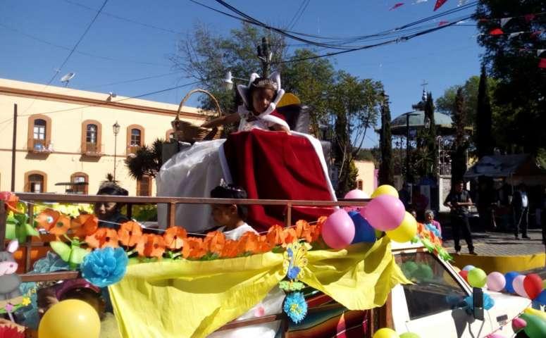 Conmemoran autoridades de Santa Cruz Tlaxcala aniversario del natalicio del Benemérito de las Américas