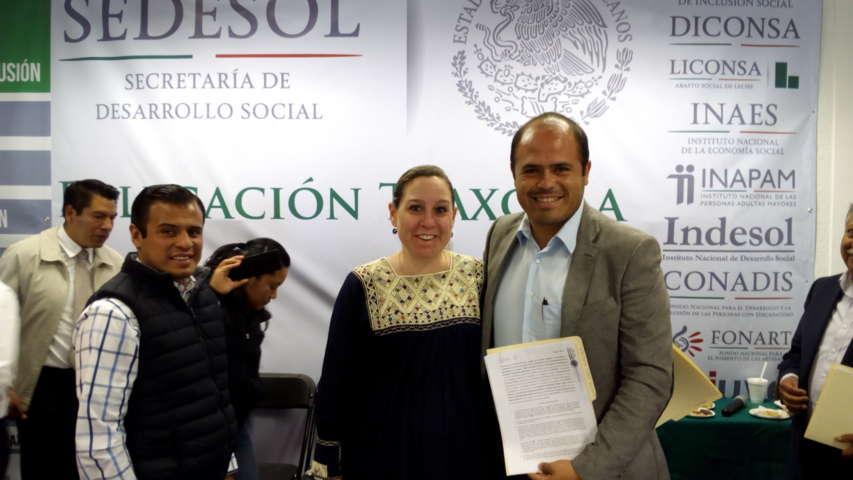 Signó Sanabria Chávez convenio con Sedesol