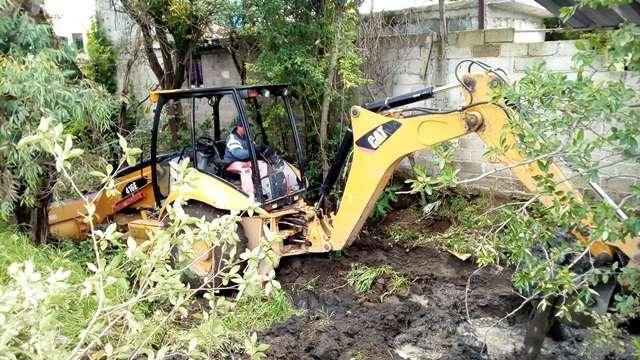 Realizan trabajos de desazolve en canales en Tepetitla