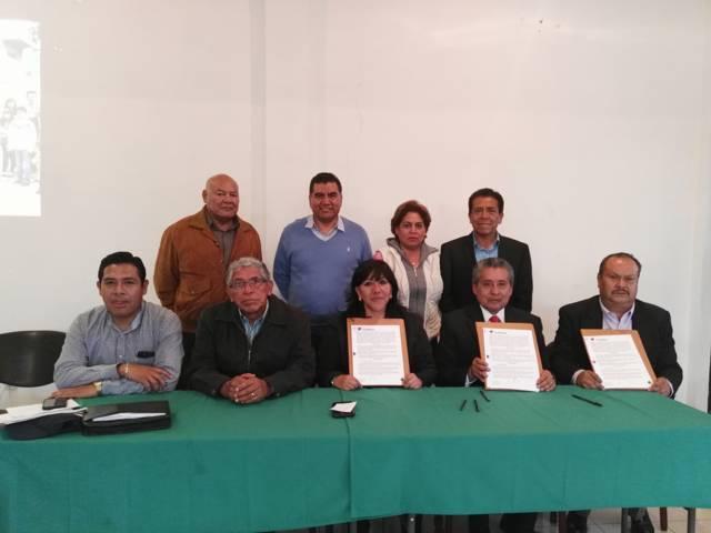 Firman convenio Ayuntamiento de Tlaxcala y Cecati 82