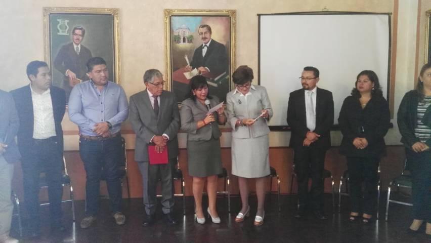 Entrega Cabildo de Tlaxcala llave de la Ciudad a Maricarmen Serra Puche
