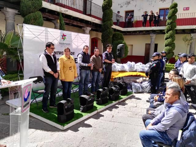Entregan chalecos antibalas a Policías de Chiautempan