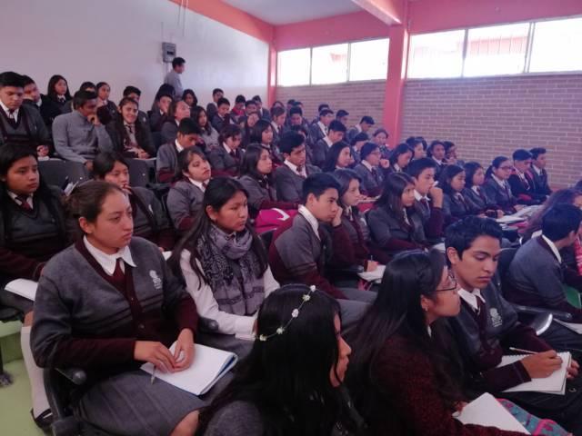 Suman esfuerzos Cobat e Icatlax en beneficio de estudiantes