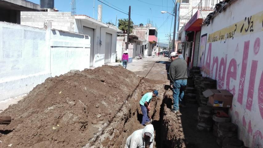 Ayuntamiento de Lardizábal trabaja en la reparación de la tubería de la red de agua potable