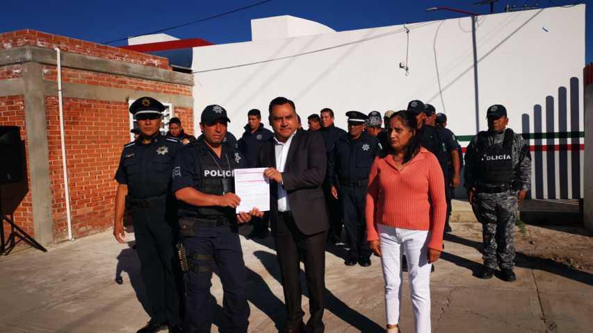 Con la póliza de seguro de vida el policía le da bienestar a su familia: alcalde
