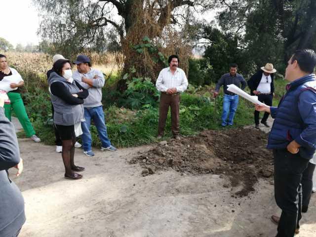 Alcalde propone solución al drenaje sanitario de la calle Zaragoza