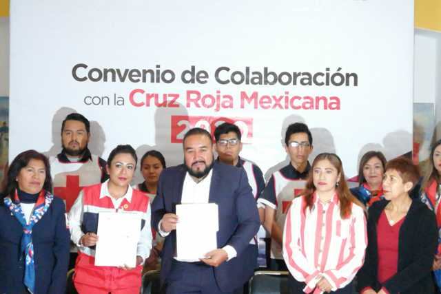 Badillo y la Cruz Roja signan convenio a favor de Xicohtzinco
