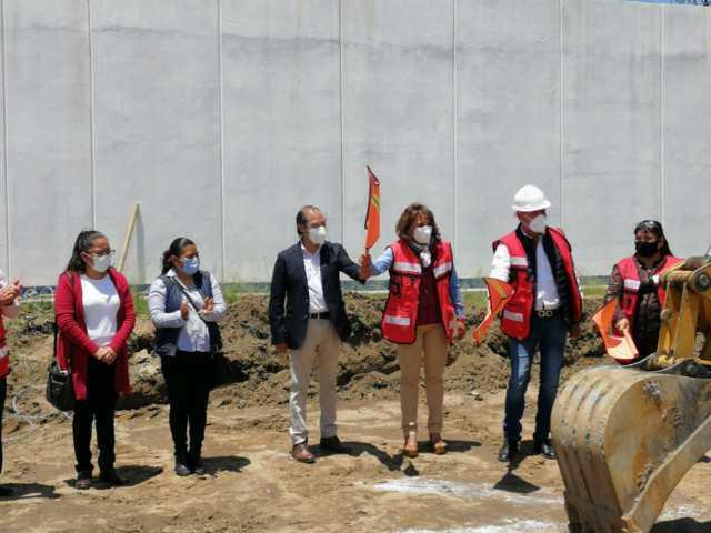 En Xiloxoxtla inició la construcción de un aula para laboratorio del CBTIS