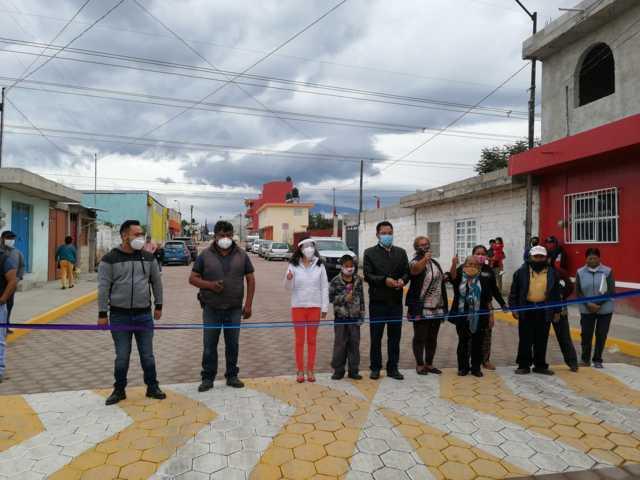 Cutberto Cano y Patricia Jaramillo entregan obra de impacto en San Bartolomé