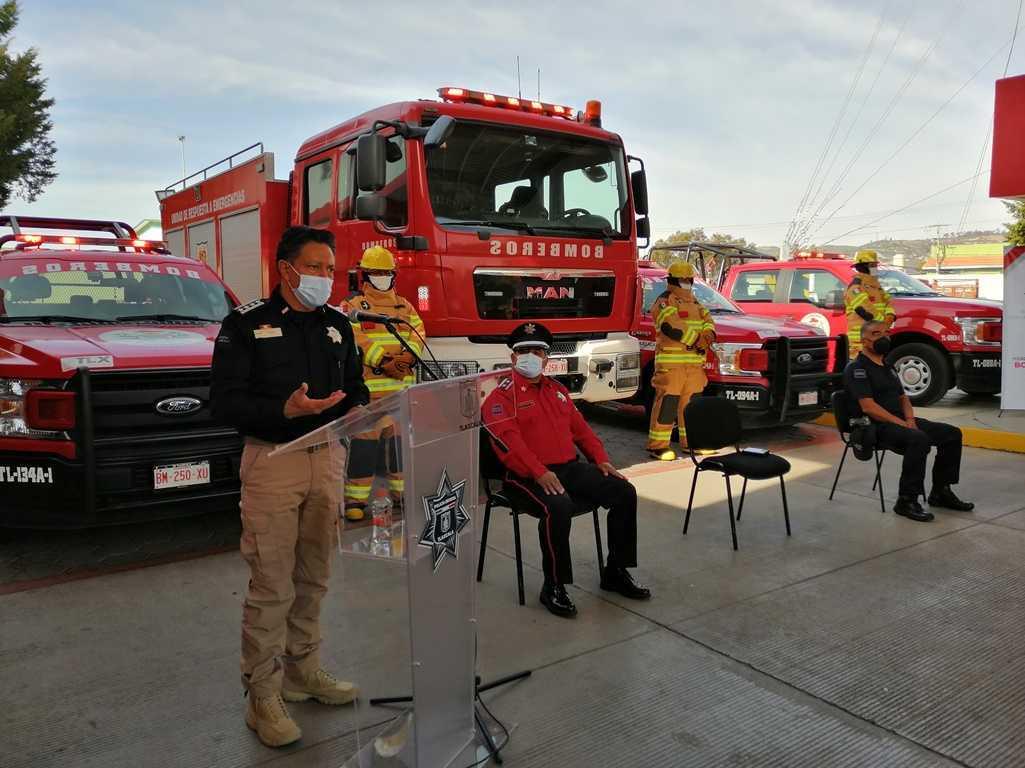 La SSC entrega equipos profesionales al heroico cuerpo de bomberos
