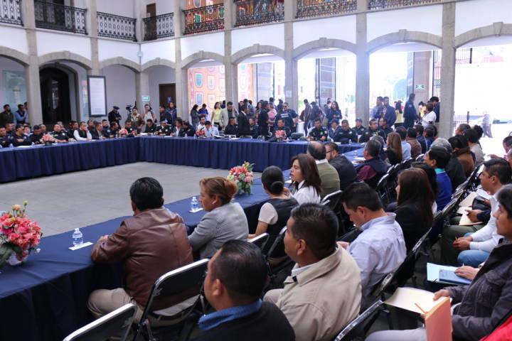 Autoridades de Texoloc presentes en la sesión de instalación de Seguridad Pública