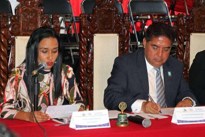 Signan decreto de hermandad municipios de Calpulalpan y Texcoco