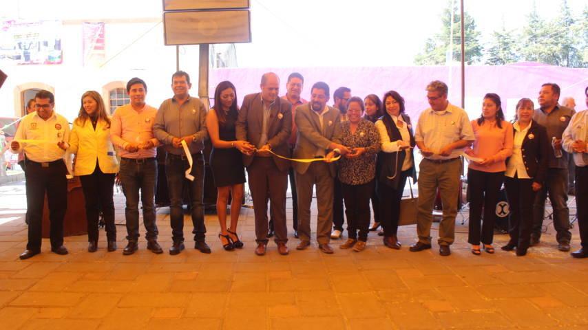 Alcalde inaugura exposición de Misiones Culturales 214