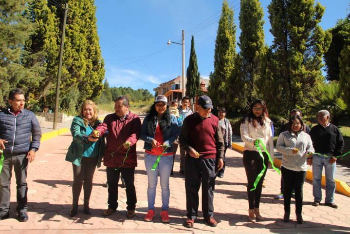 Alcalde acerca servicios básicos y mejora la imagen urbana de la calle San José