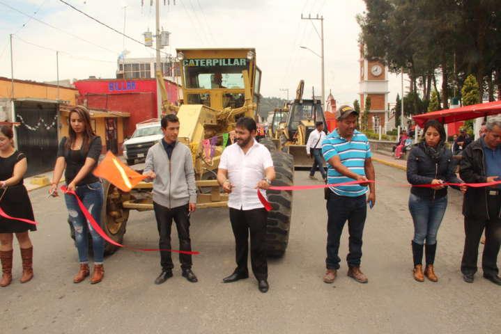 Alcalde mejora los servicios básicos del municipio con inversión histórica