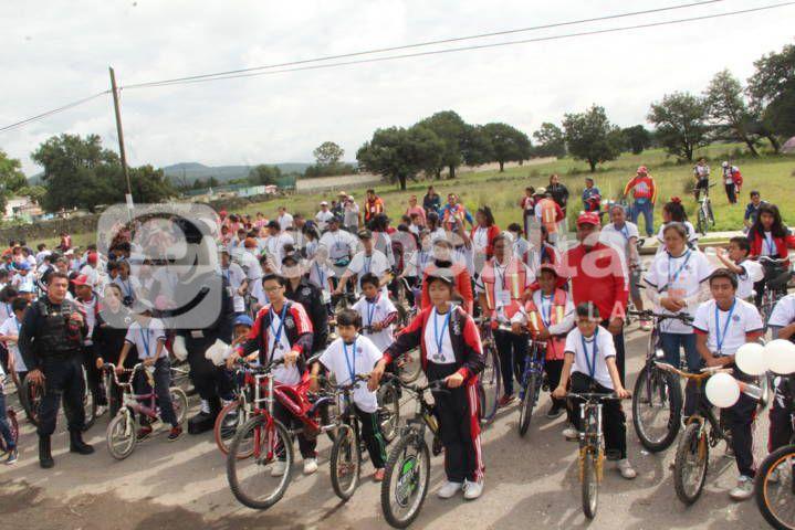 Con esta Rodada Ciclista fomentamos en los niños una cultura vial: alcalde