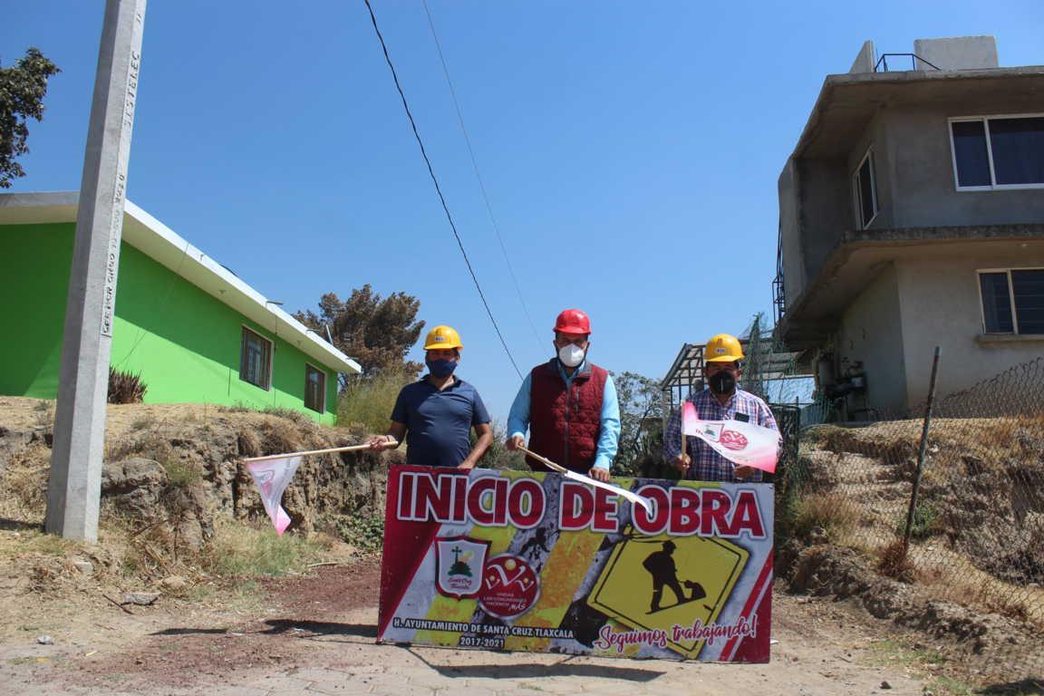 Dan banderazo de inicio de obra para ampliar la red de agua potable en Santa Cruz
