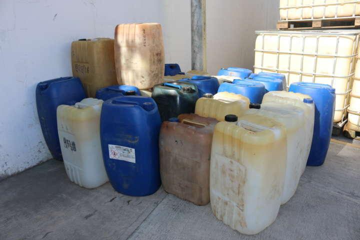 Destruye PGR contenedores de hidrocarburo